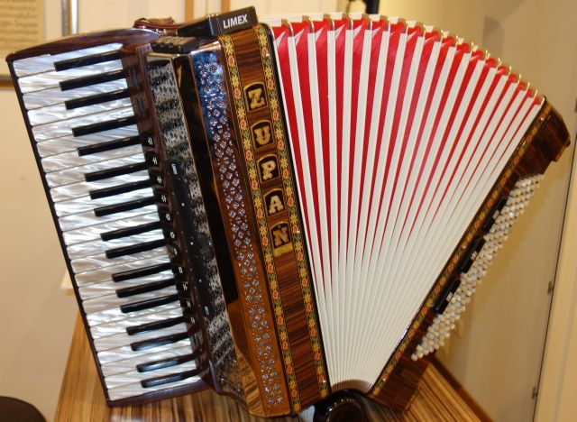 Zupan Alpe Iv 120 Palisander Alpengold Harmonika